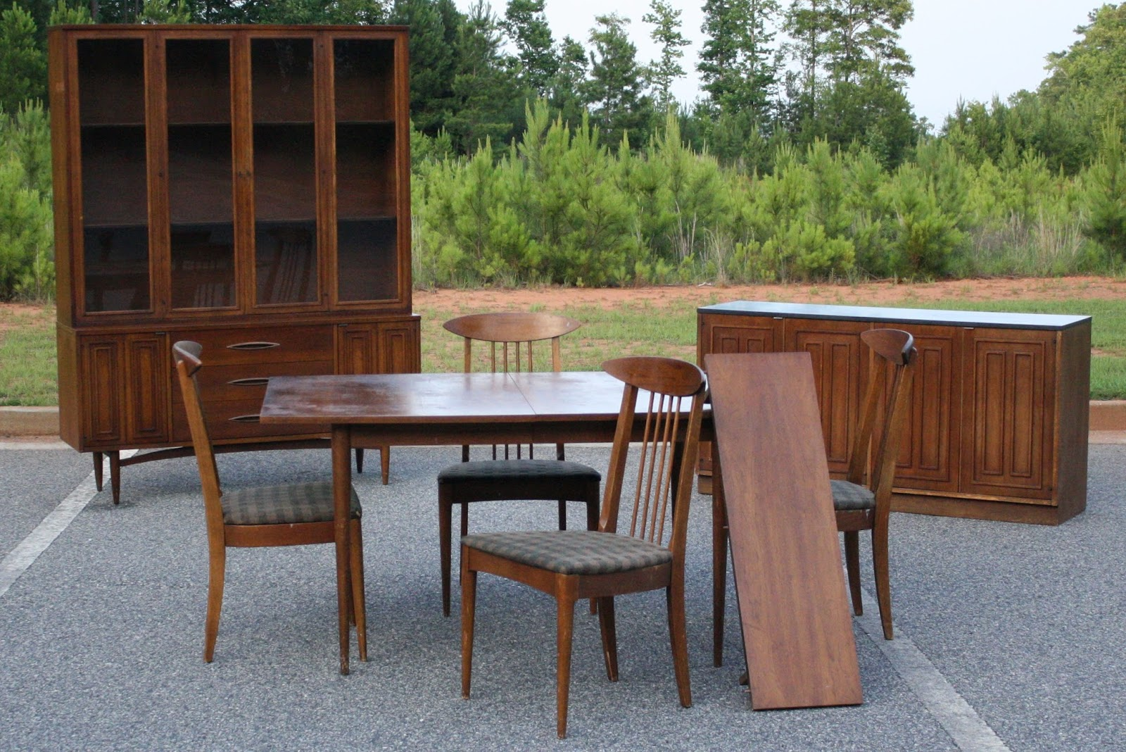 Famous Eleanor Meriwether: Broyhill Sculptra Dining Suite WE68