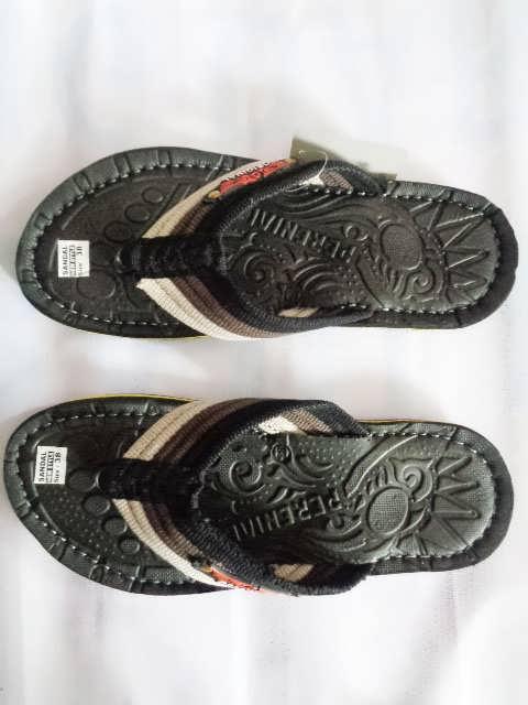 Sandal Parennial Original harga Pabrik