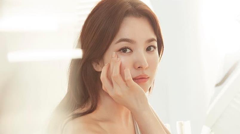 Học lỏm tuyệt chiêu trị mụn của nữ hoàng mặt mộc Song Hye Kyo -2