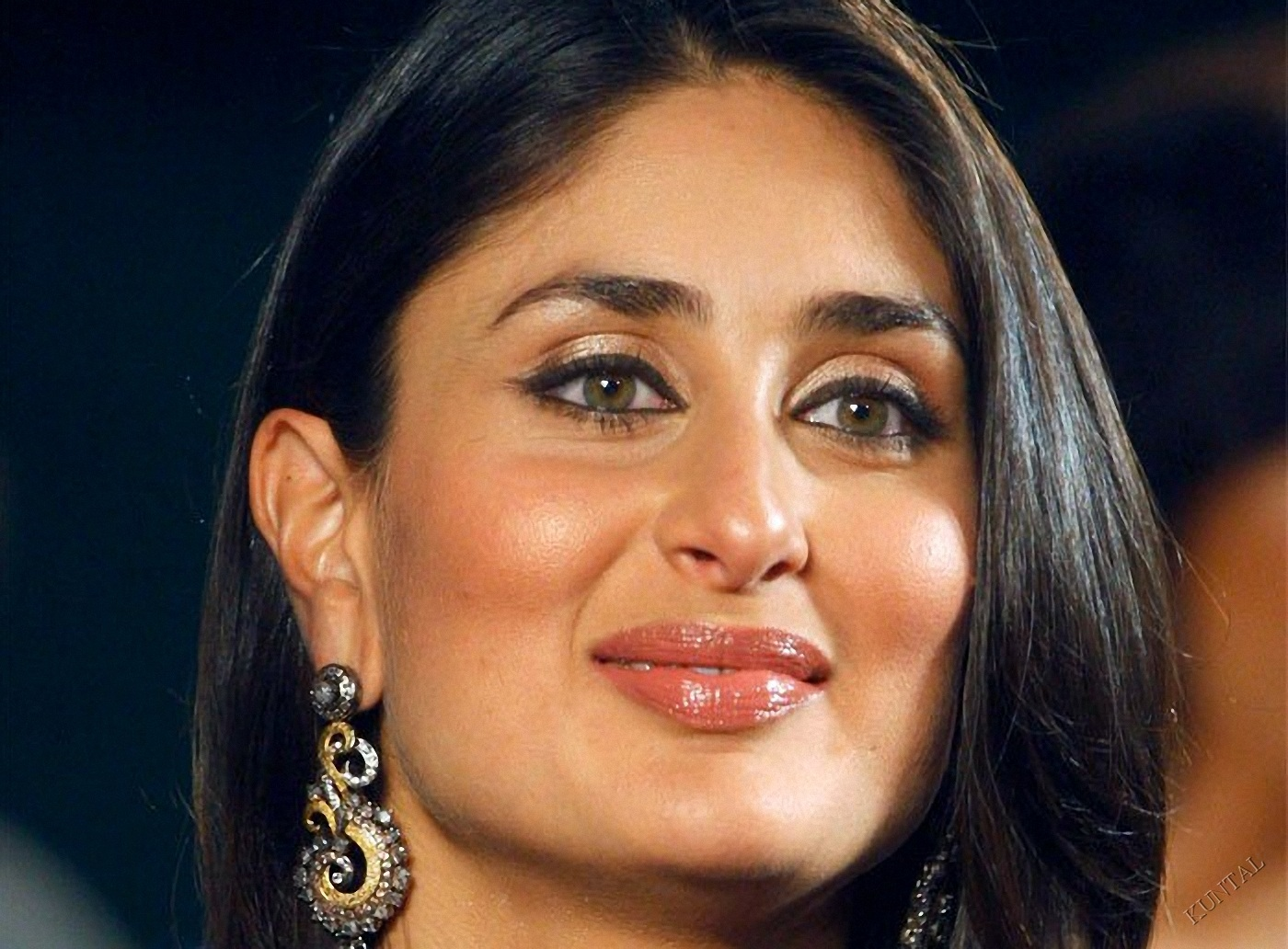 Hd Wallpapers Download All Hd Photos Of Kareena Kapoor-4817