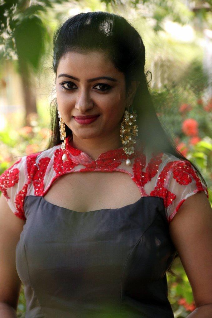 Television Actress Nisha Krishnan Hot Photos At Audio Launch