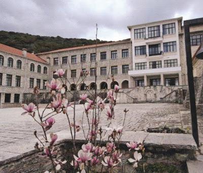 ΒΙΝΤΕΟ-Η Ιερά Μονή Βελλάς στο Καλπάκι