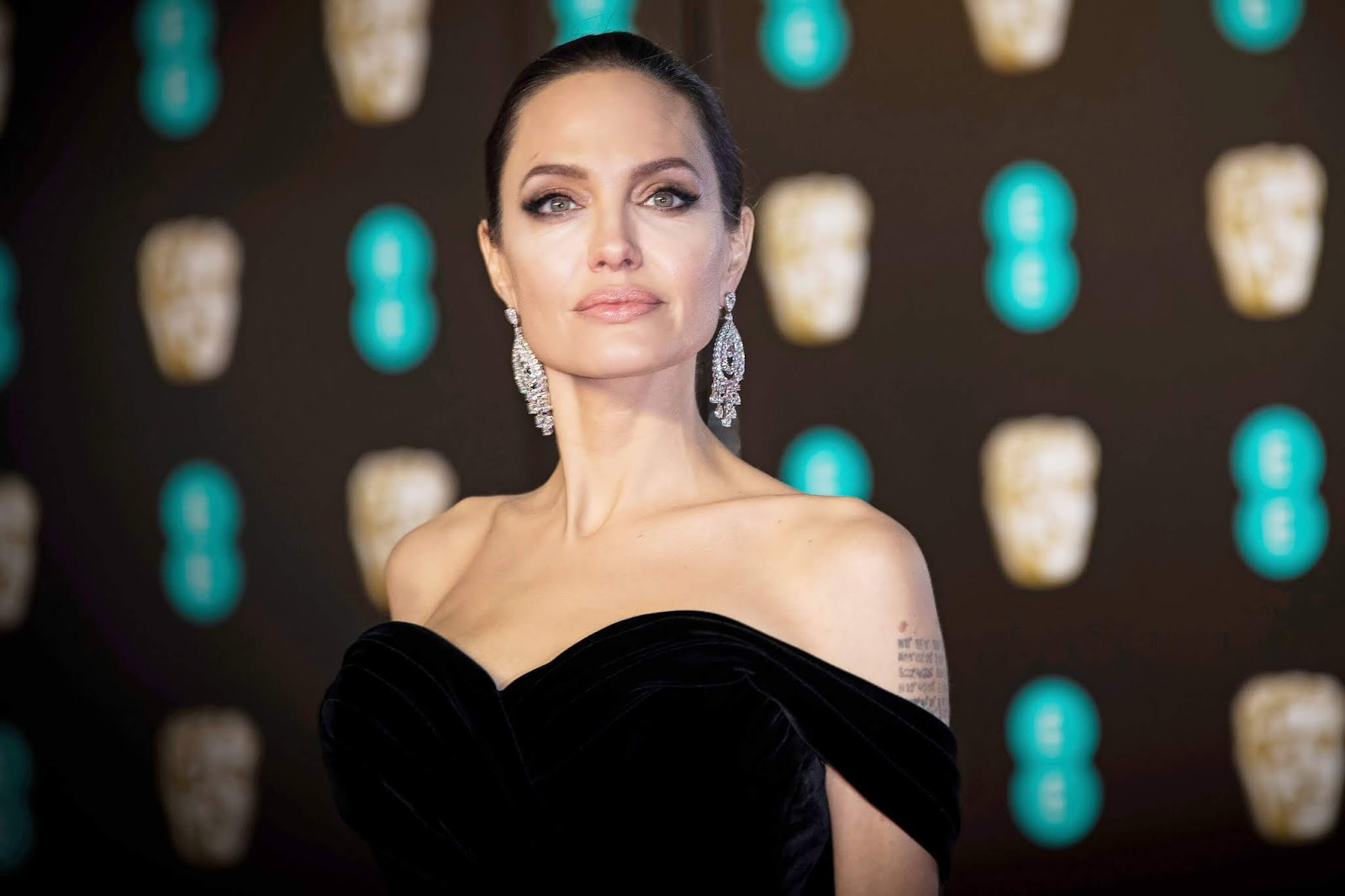 Angelina Jolie in talks to play godlike being in Marvel's The Eternals