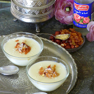 Milchpudding mit Rosenwasser - Mahalabeya
