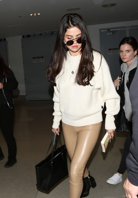 Selena Gomez – Arriving at LAX Airport in Los Angeles