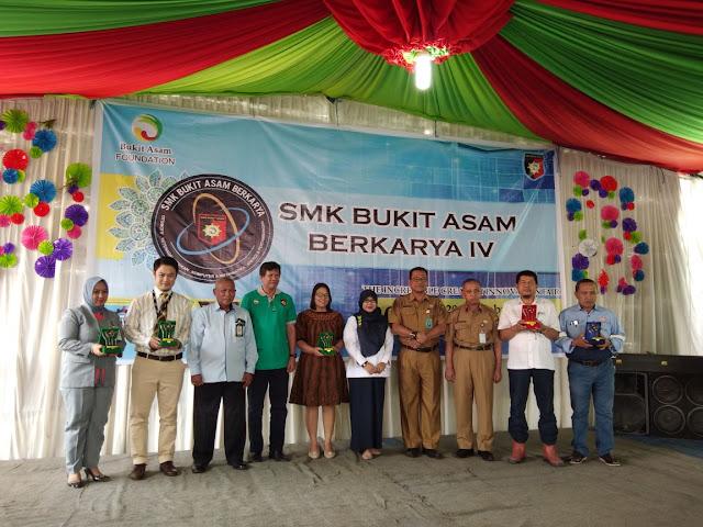 SMK Bukit Asam Resmi Luncurkan Mobil Pintar Elektrik