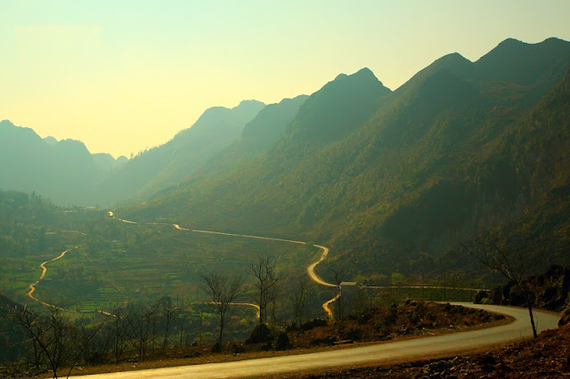 Ha Giang's wild beauty touches the hearts of visitors 7