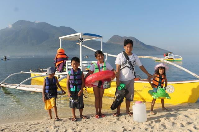 JustMom-White-Island-Camiguin-Papa-Kids