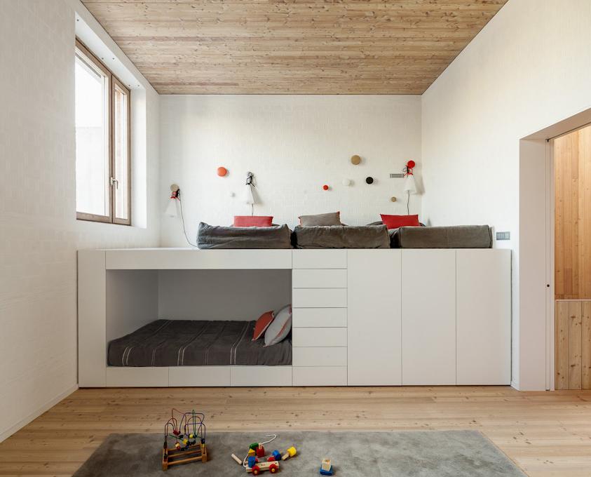 Personaliza tu espacio con una litera de madera a medida - Dormitorio infantil literas ...