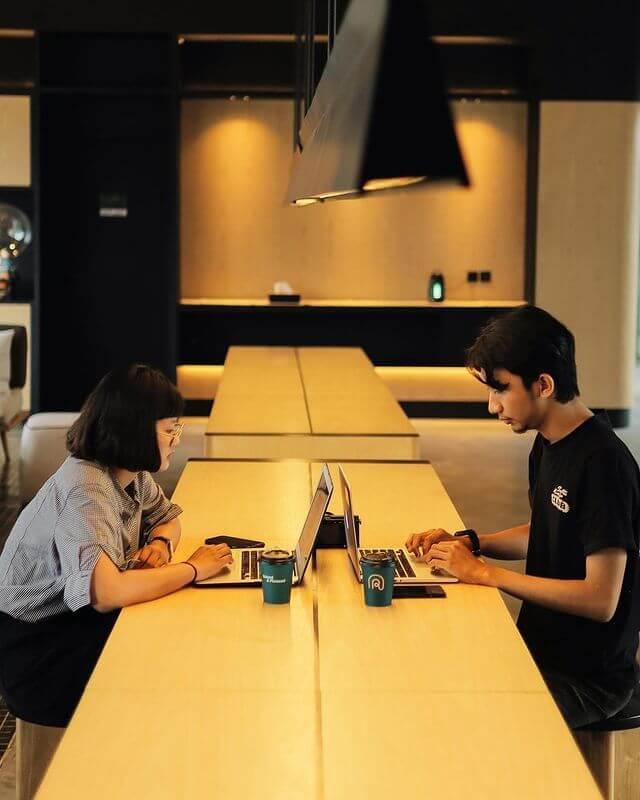Cocok buat kerja atau ngerjain tugas Ripah Coffee - foto instagram ripahcoffee