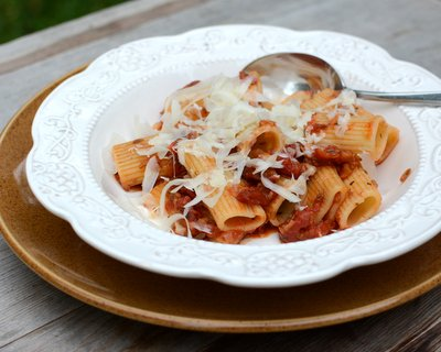 Pasta with Slow-Roasted Tomatoes, another Quick Supper ♥ AVeggieVenture.com.