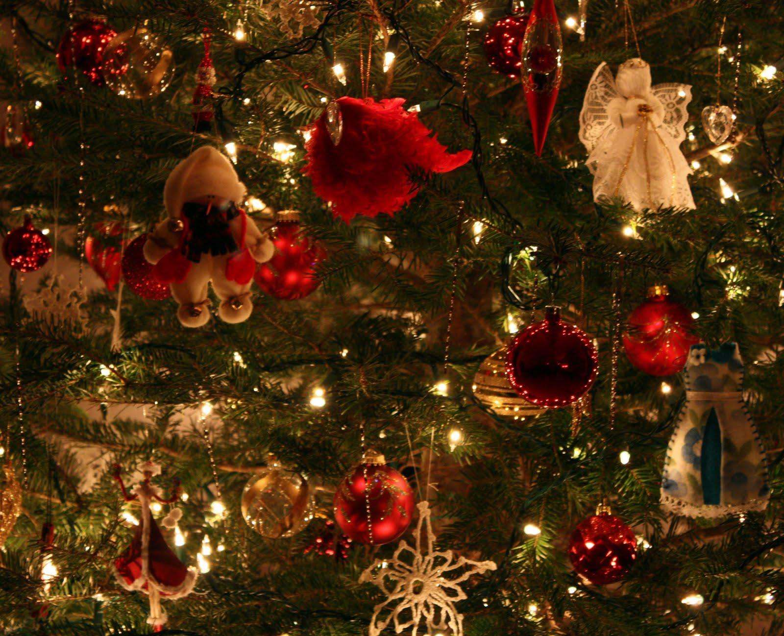 Christmas Decorations: Carol Steel: Christmas Tree Decorations
