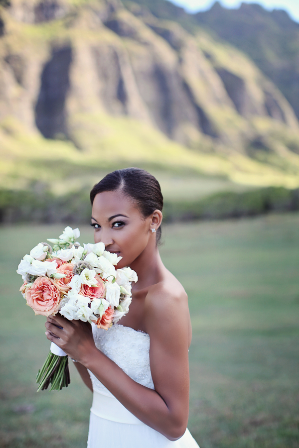 Hawaii+destination+wedding+salmon+pink+peach+orange+blue+turquoise+tropical+beach+tim+tebow+wedding+married+girlfriend+fiance+bouquet+gown+cake+chevron+modern+Creatrix Photography+9 - Tropical Oasis
