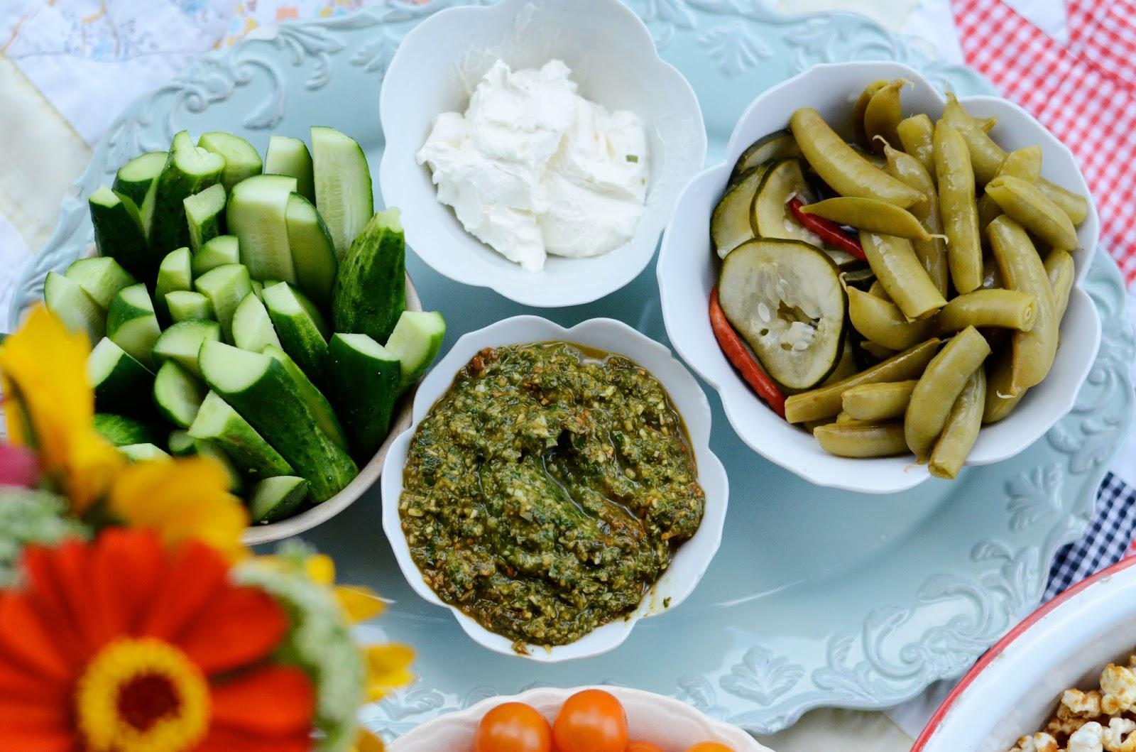 natalie creates: backyard cookouts & fresh party food ideas