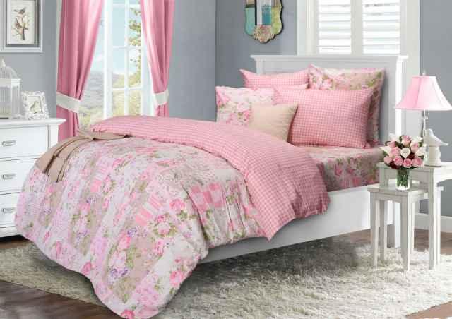Sprei Motif Bunga Pink