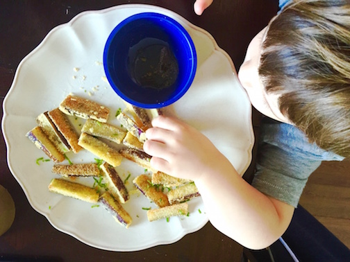 Baked crispy aubergine fries with lime & honey for toddlers