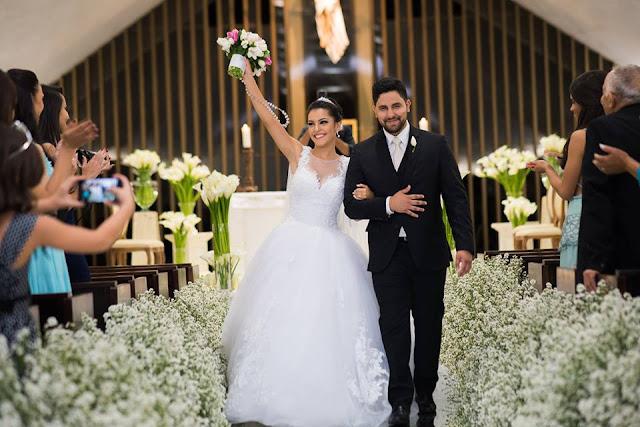 casamento real, rafaela e lucas, decoração verde e branco, áster, liziantus, igreja Nossa Senhora do Perpétuo Socorro