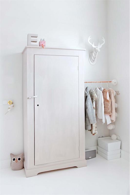 armario en blanco para dormitorio chicanddeco