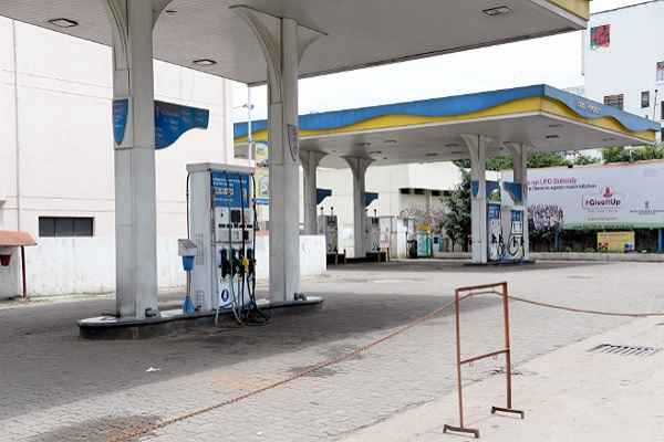 Petrol-pumps-shut-in-Manipur-following-highway-blockade