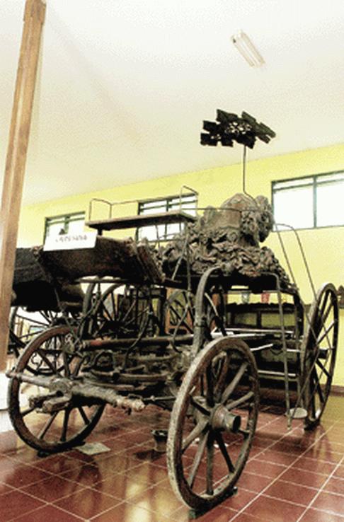 Benda benda peninggalan sejarah di kota Cirebon | Holiday