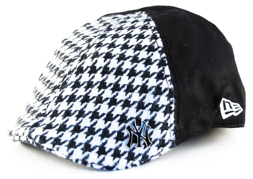 New Era Caps  Flat Cap - New York Yankees - Black White Check Pattern 2e819bb7eb0