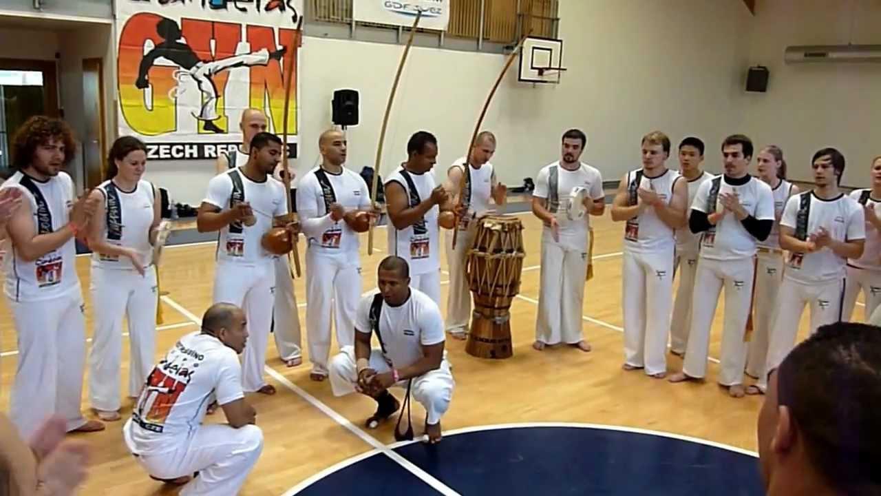 cd grupo candeias capoeira