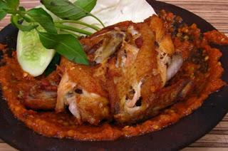 Resep Membuat Ayam Penyet Pedas Spesial, cara membuat ayam penyet pedas, resep ayam penyet pedas