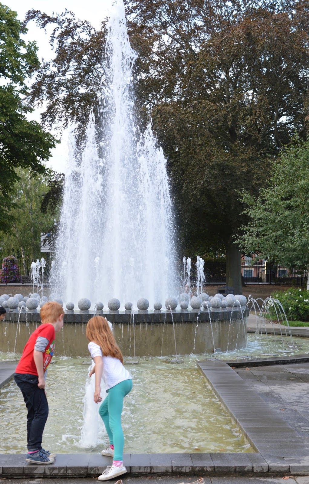 A Short Stay in Windsor with Kids  - diamond jubilee fountains