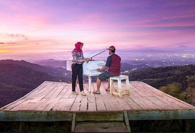Pintoe Langit Dahromo, Spot Foto Paling Hits di Jogja Dlingo, Bantul. Yang Bakal Bikin Kamu Enggan Pulang !