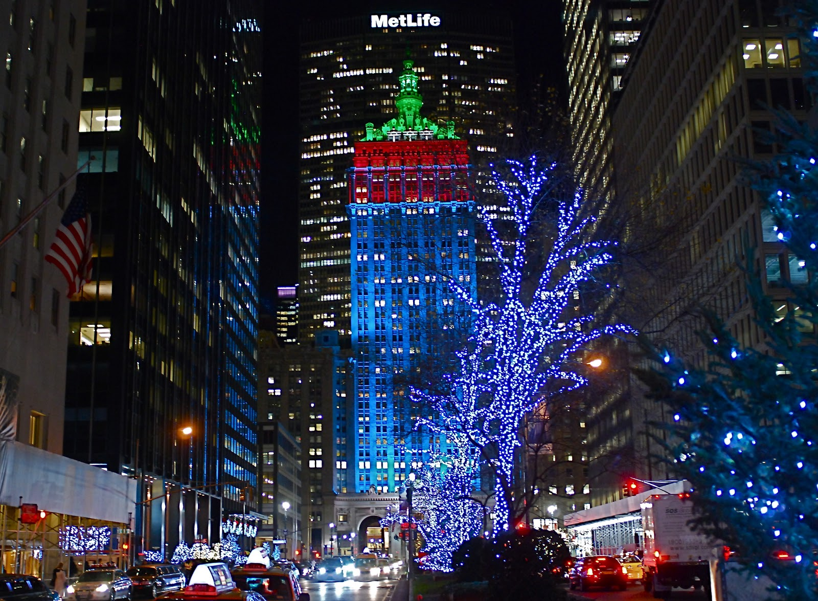 NYC ♥ NYC: The Helmsley Building Makeover - New Exterior ...