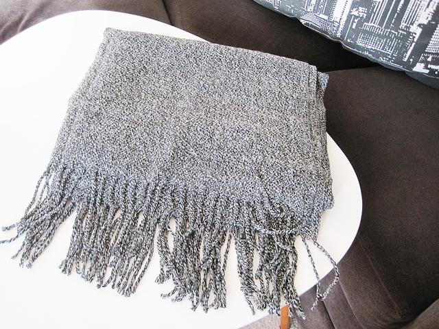 www.dresslily.com/tassel-knitted-wrap-scarf-product1508606.html?lkid=1515738