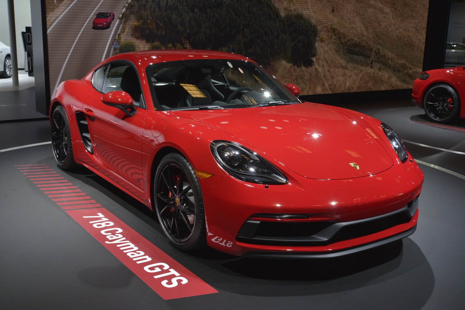 2018 Cayman Gt4 >> Porsche's New Driver-Focused 718 GTS Coupe And Boxster Go To LA | Carscoops