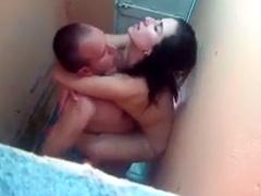 Novinha Bebada  Safada é Flagrada Dando Uma Trepada em pé no Banheiro de um Bar