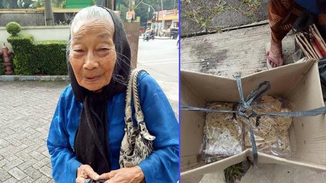 Belajar Dari Nenek Tua 88 Tahun yang Masih Semangat Buat Jualan Rempeyek