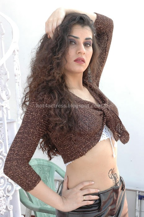 Archana veda spicy navel and thigh show photo gallery