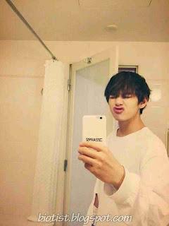 Selfie Photo V BTS (Kim Taehyung) Funny