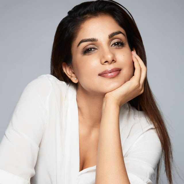 Monica Gill wiki, height, biography, hot, bikini, instagram, espie, age