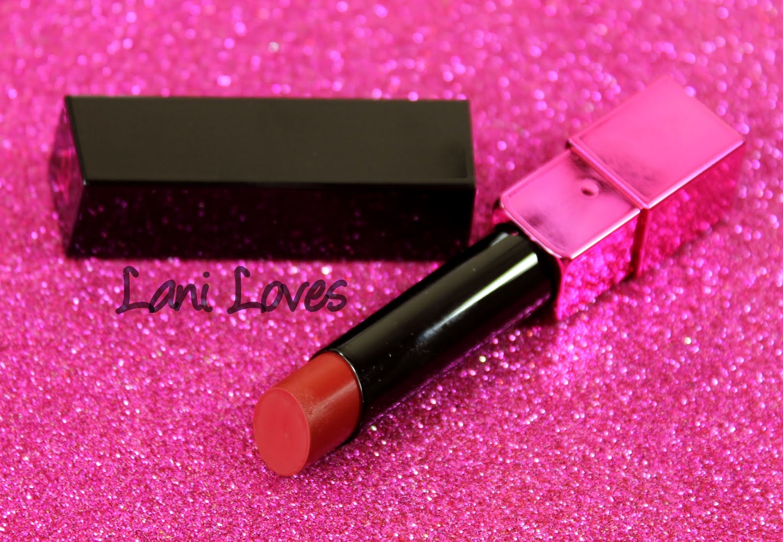ZA Vibrant Moist Lipstick - RD555 Swatches & Review