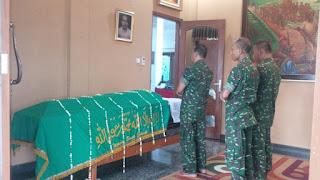 Jenderal Gatot Menyampaikan Duka Cita atas Meninggalnya Putra Sulung Jenderal Sudirman - Commando