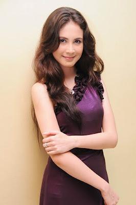 Arumi Bachsin cewek cantik dan manis kelihatan bra