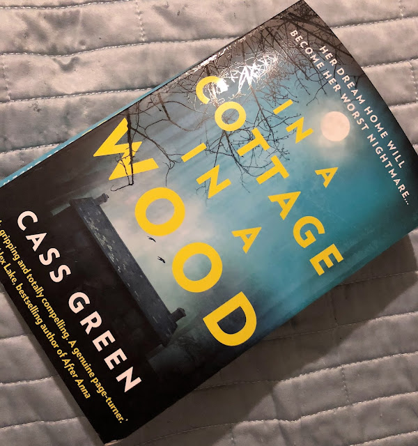Aimee Raindrop Writes: Book Review: In A Cottage In A Wood