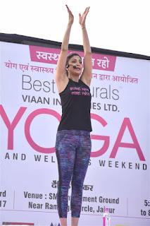 shilpa shetty yoga images