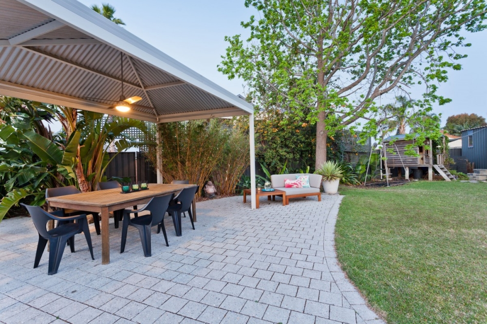 Outdoor Dining Space: How to Organise It