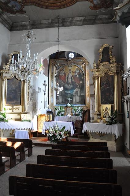 Romański kościół z przełomu XI i XII wieku w Tropiu