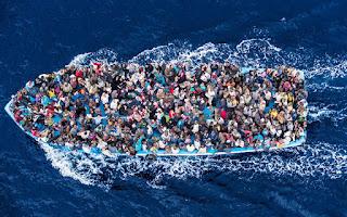 https://2.bp.blogspot.com/-PSCX4GcGoO0/WTkhrgK_ltI/AAAAAAAAH2Q/TgSwA9MkgdUTPN4wlp_0K7yCV5WlZZsqgCLcB/s320/italy-migrants-refugees-asylum-seekers-1.jpg