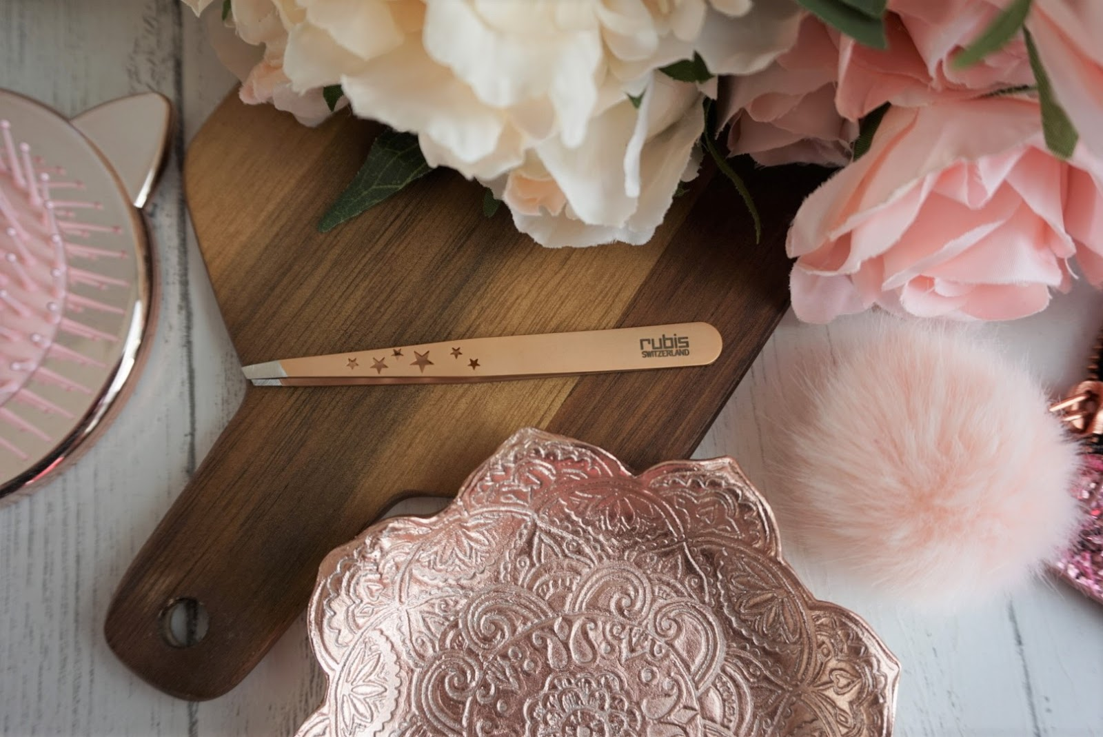Rose Gold Rubis Tweezers