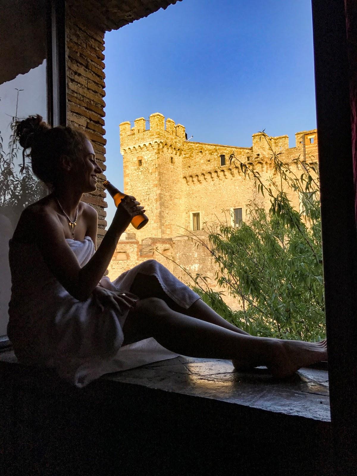 dormire una notte in un castello, castello Orsini nerola, castello Orsini, nerola, fashion need, Valentina Rago, fashion need travels, dormire in un castello, pirati in viaggio, dormire castelli, più bei castelli d'Italia, Andrea, cenare in un castello,