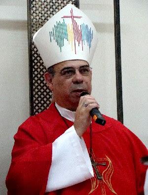 Resultado de imagem para bispo católico brasileiro Arnaldo Ribeiro