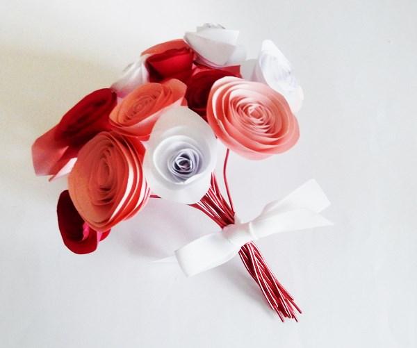 Diy Fleurs En Papier Caro Dels Blog Diy Et Loisirs Creatifs