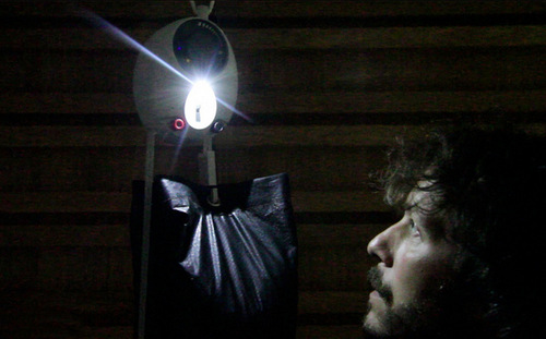 05-Gravity-Light-Deciwatt-Cheap-Lighting-Energy